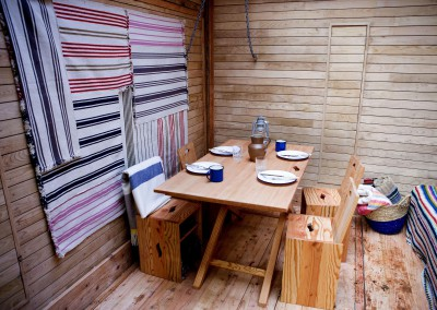 Amazing Spaces Woodland Cabin - table up